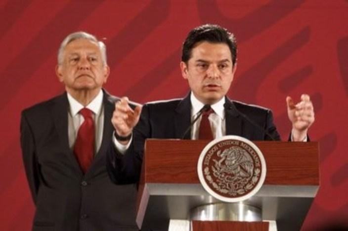 A la izquierda, el presidente de México, Andrés Manuel López Obrador; a su lado, el director general del Instituto Mexicano del Seguro Social (IMSS), Zoé Robledo Aburto. Foto: Presidencia de México