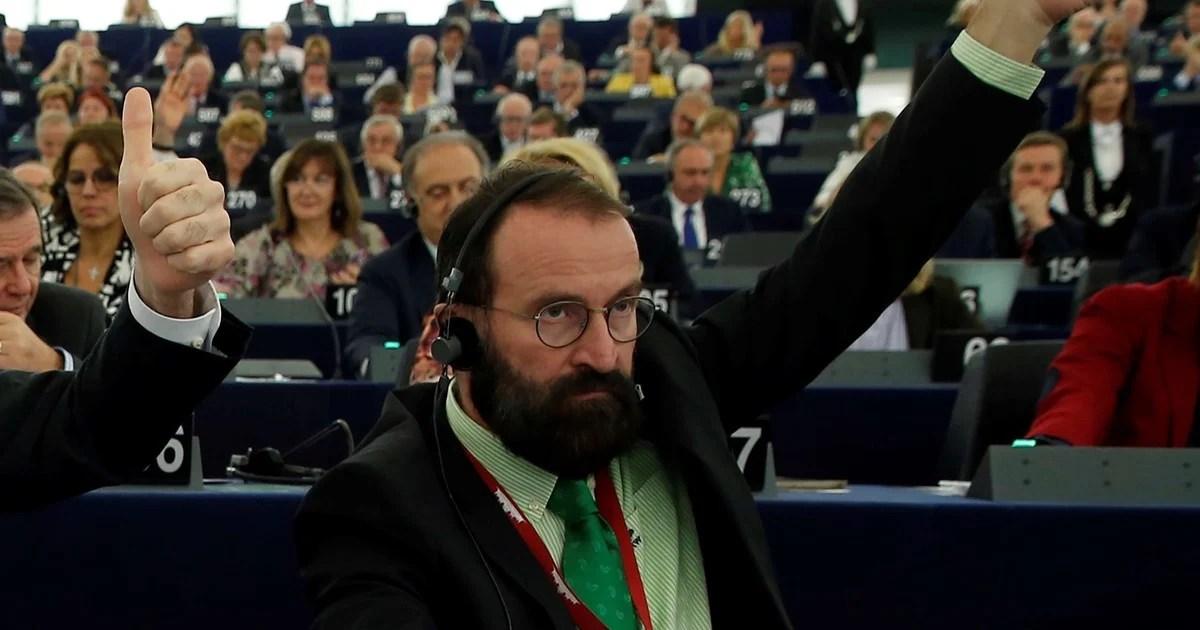 Alegan inmunidad diplomática asistentes de orgía de bruselas