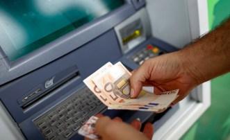 Los economistas advierten sobre millones de euros en créditos incobrables en bancos de toda Europa. Foto: REUTERS