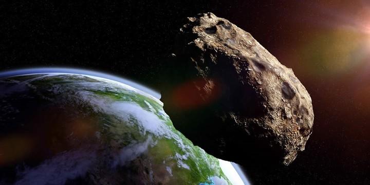 """La """"teoría del gran impacto"""" sugiere que la Luna se formó luego del impacto de un planetoide contra nuestro planeta."""