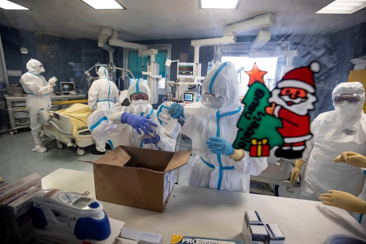 Doctors and nurses in a Covid ward, in a hospital in Rome.  Photo: EFE