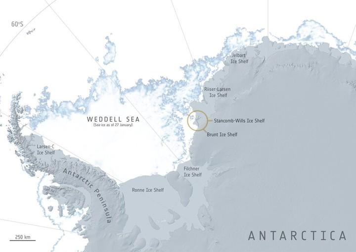 Durante años, los glaciólogos rastrearon una serie de grietas en la plataforma de hielo Brunt, que limita con la costa de Coats Land en el sector del mar de Weddell en la Antártida. Foto: ESA