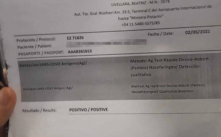 El testeo realizado en Ezeiza que muestra el resultado positivos del testeo de coronavirus.