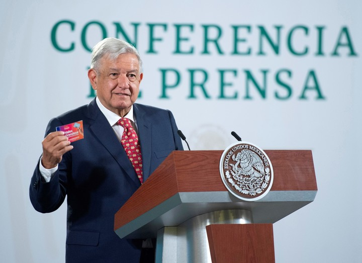 The president of Mexico usually gives a press conference every day.  Photo: EFE