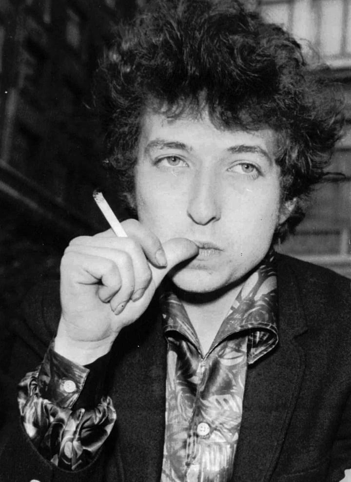 Bob Dylan, en una foto de 1965, el año referido en la denuncia de abuso sexual contra una nena de 12 años. Foto: AP