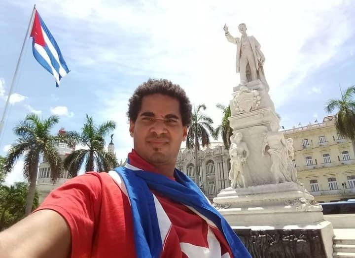 Cuban artist Luis Manuel Otero Alcántara after his release.  (Facebook photo of Luis Manuel Otero Alcántara)