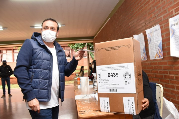 The governor of Misiones Herrera Ahuad votes in Sunday's elections.