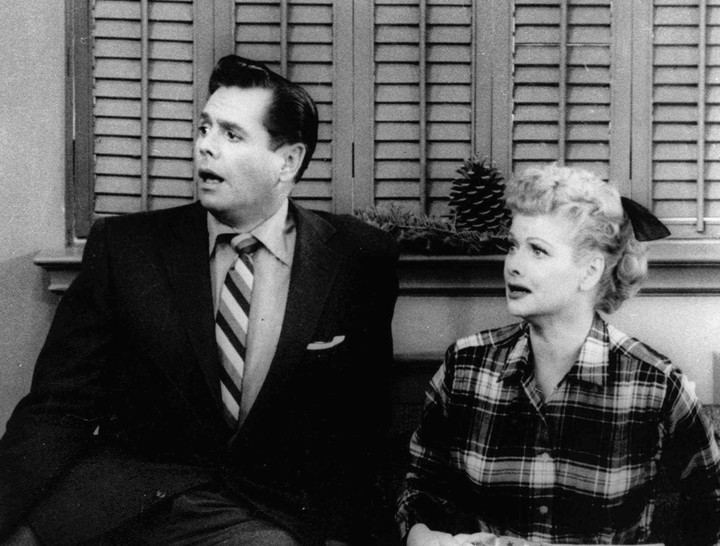 """Desi Arnaz and Lucille Ball in the Christmas Special of """"I love lucy"""", 1956. AP Photo"""