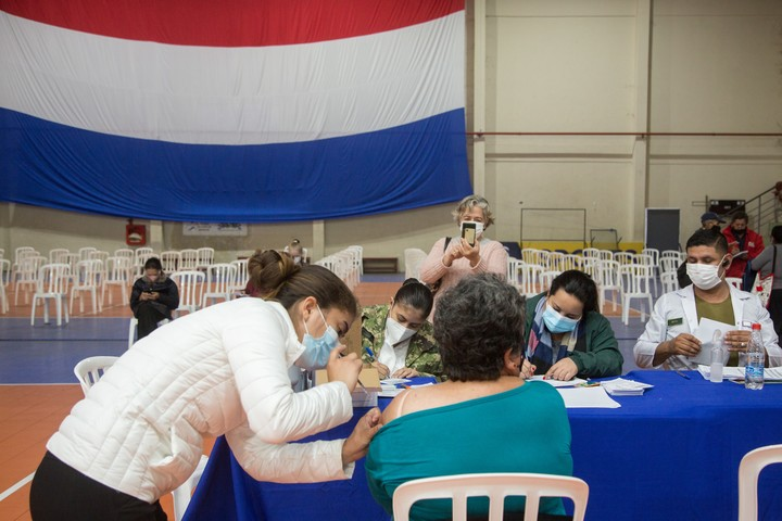 Vaccination in Paraguay proceeds at a very slow pace.  Photo Bloomberg