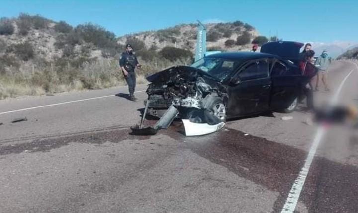 El VW Vento, tras el impacto.