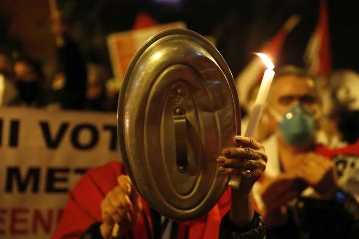Keiko Fujimori supporters protest in Lima.  Photo: EFE