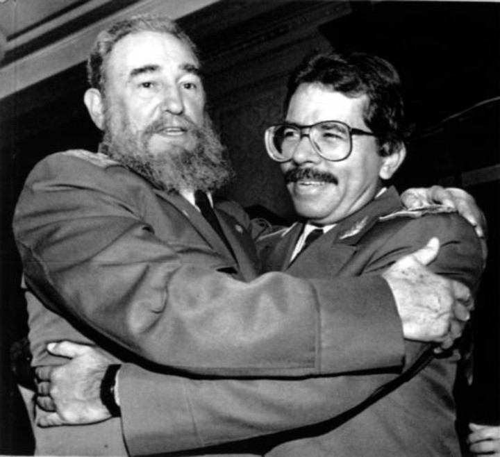 Daniel Ortega and Fidel Castro, after the triumph of the Sandinista Popular Liberation Front.  Photo: AFP