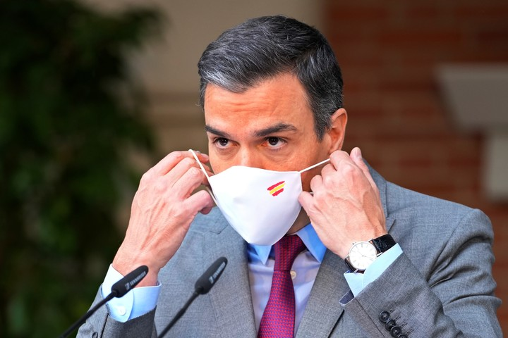 The head of the government of Spain, Pedro Sánchez, criticized for the pardons to the Catalan separatists.  Photo: AP