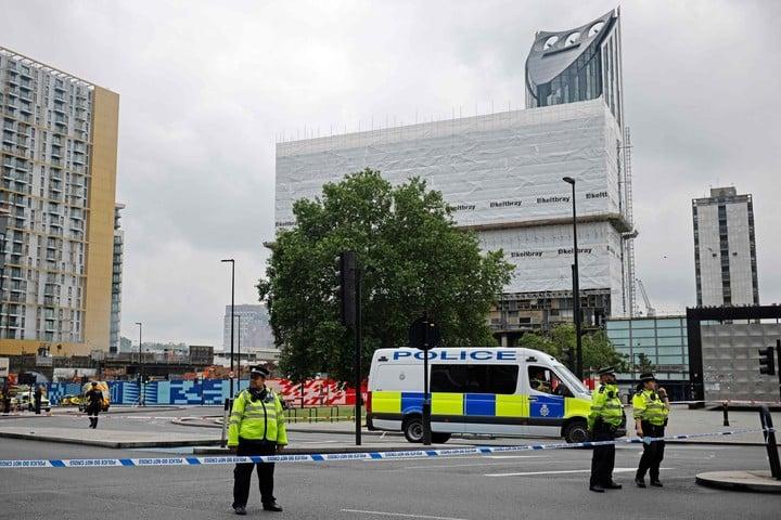 London police doing their job.  Photo: AFP.