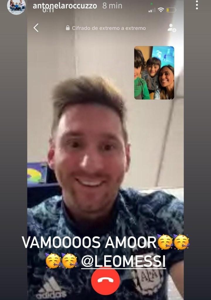 Messi talking to his family.