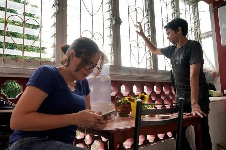 Yunior Garcia and his wife, Dayana Prieto.  Photo Alexandre Meneghini / Reuters