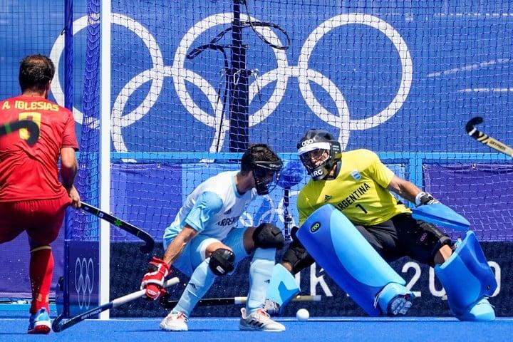 Argentina suffered against Spain in men's hockey.  AP Photo / John Minchillo