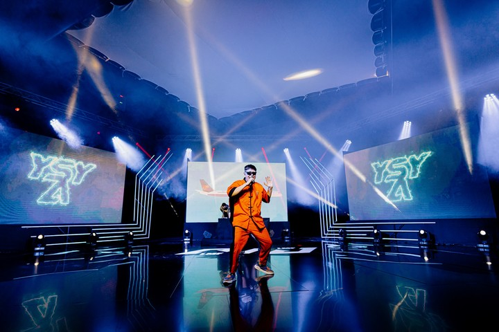 Rapper YSY A put on a show that was viewed by 10,000 people on the internet.  Photo: LVP.