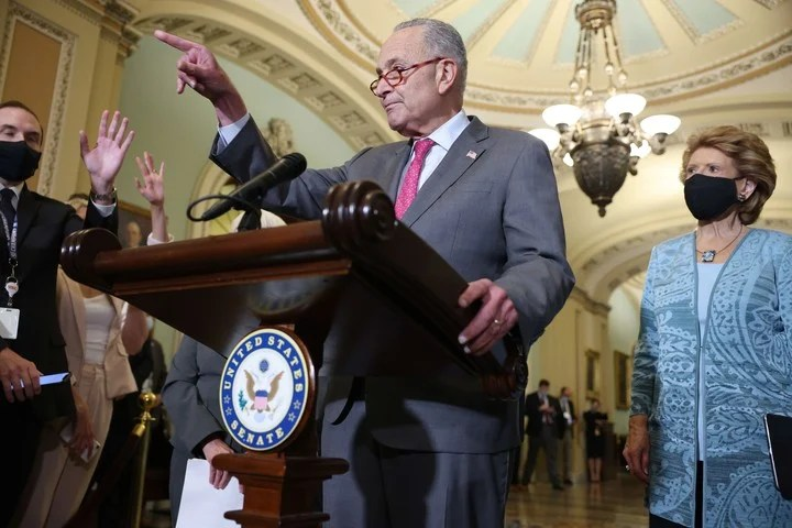 The leader of the Democrats in the United States Senate, Chuck Schumer on Tuesday asked the press for the resignation of Governor Andrew Cuomo after the accusations of sexual abuse.  Photo: AFP