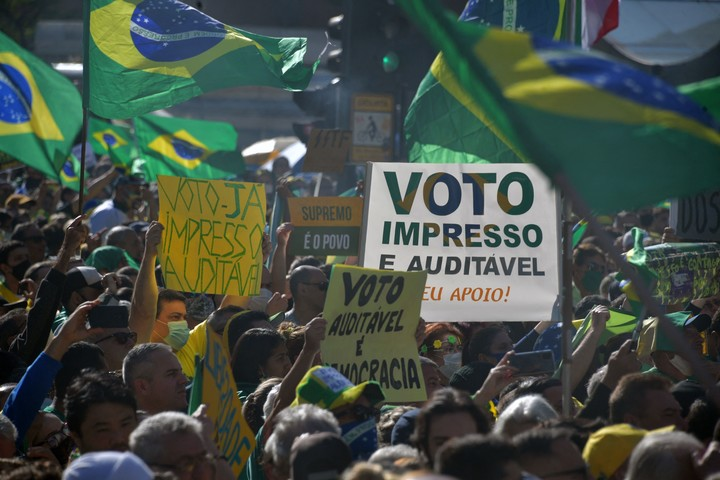 A march of supporters of President Jair Bolsonaro, against electronic voting in Brazil, on August 1 in São Paulo.  Photo: AFP