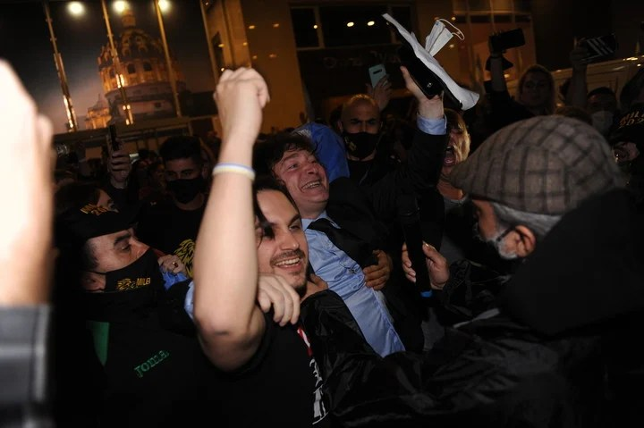 Javier Milei, with euphoria in his electoral bunker on Sunday night, after knowing the result of the primaries.  Photo Martin Bonetto