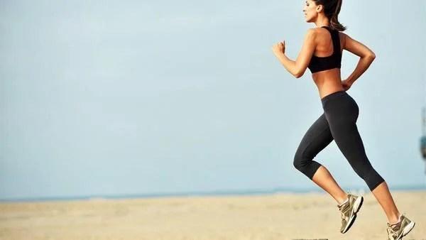 Las mujeres utilizan mucho mejor la cabeza que los hombres a la hora de correr, sugiere el estudio.