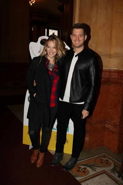 Michael Bublé y LuisanaLopilato fueron al Teatro Colón en familia. (Movilpress)
