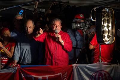 """Discurso. """"No habrá golpe"""", afirmó el ex presidente Lula Da Silva ante la multitud en San Pablo. /EFE"""