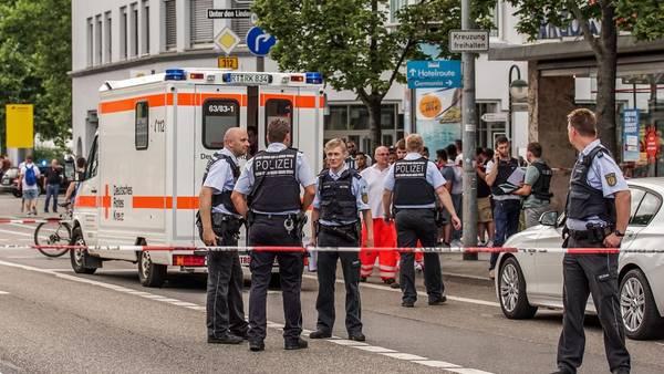 Reutlingen. Policías en la escena del crimen. (EFE)