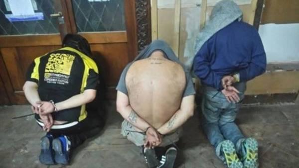 Un ex candidato peronista por Santa Fe cayó junto a una banda narco tras varios allanamientos en Rosario y Misiones.