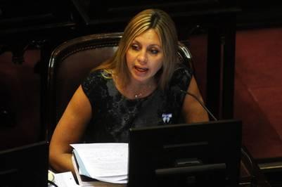 María Sacnun, de Santa Fe, en la sesión por losfondos buitre.