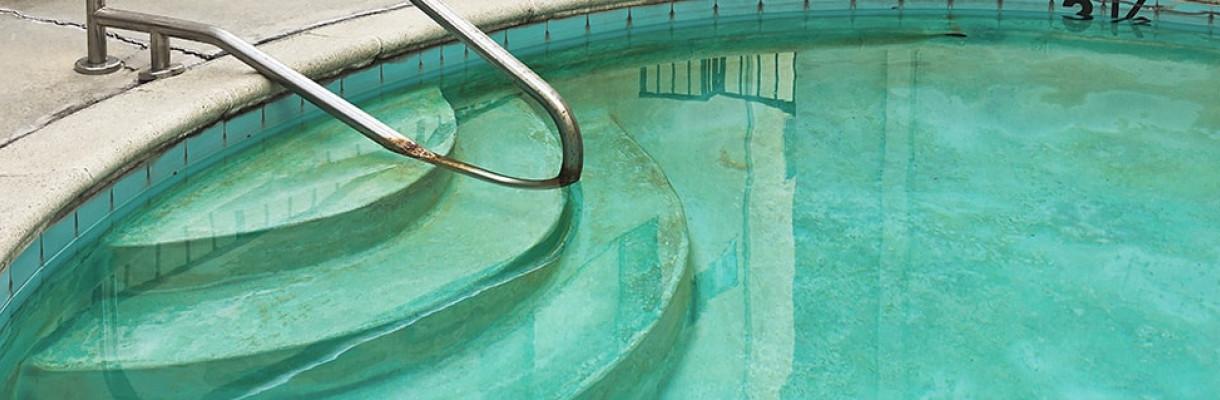 Faites une chloration choc à 10 ppm de chlore libre. Taches Dans La Piscine Club Piscine Super Fitness