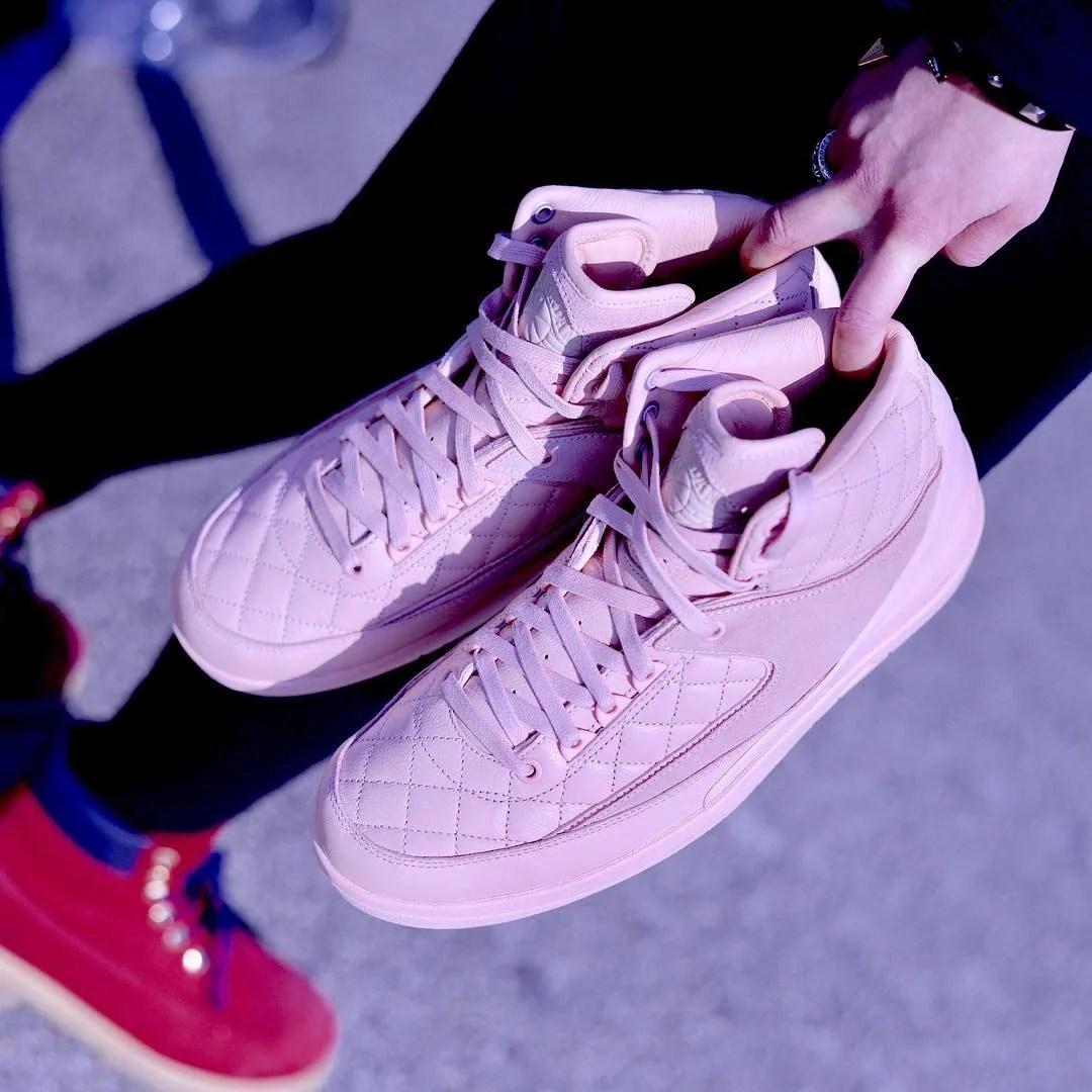 Pink Don C Air Jordan 2 Data de lançamento à esquerda