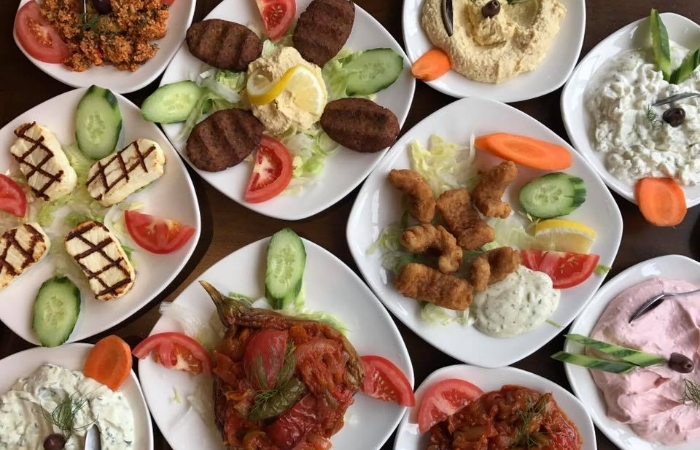 different-dishes-from-Meze-mangal
