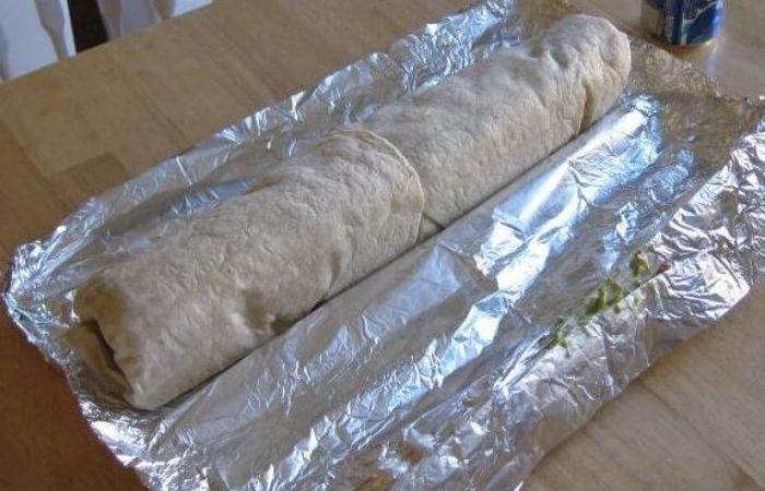 sink-the-titanic-go-burrito