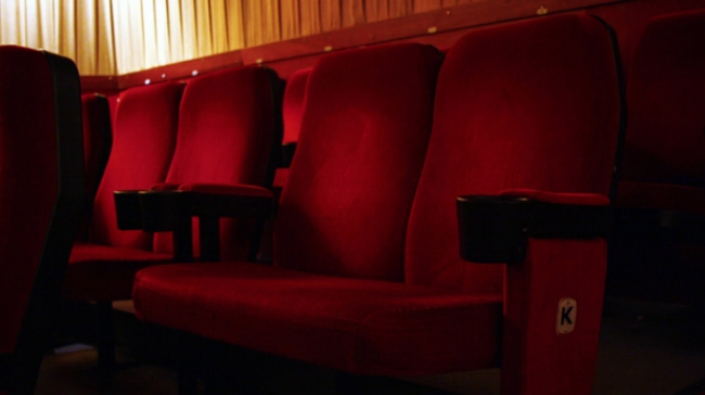 love-seat-savoy-cinema-nottingham