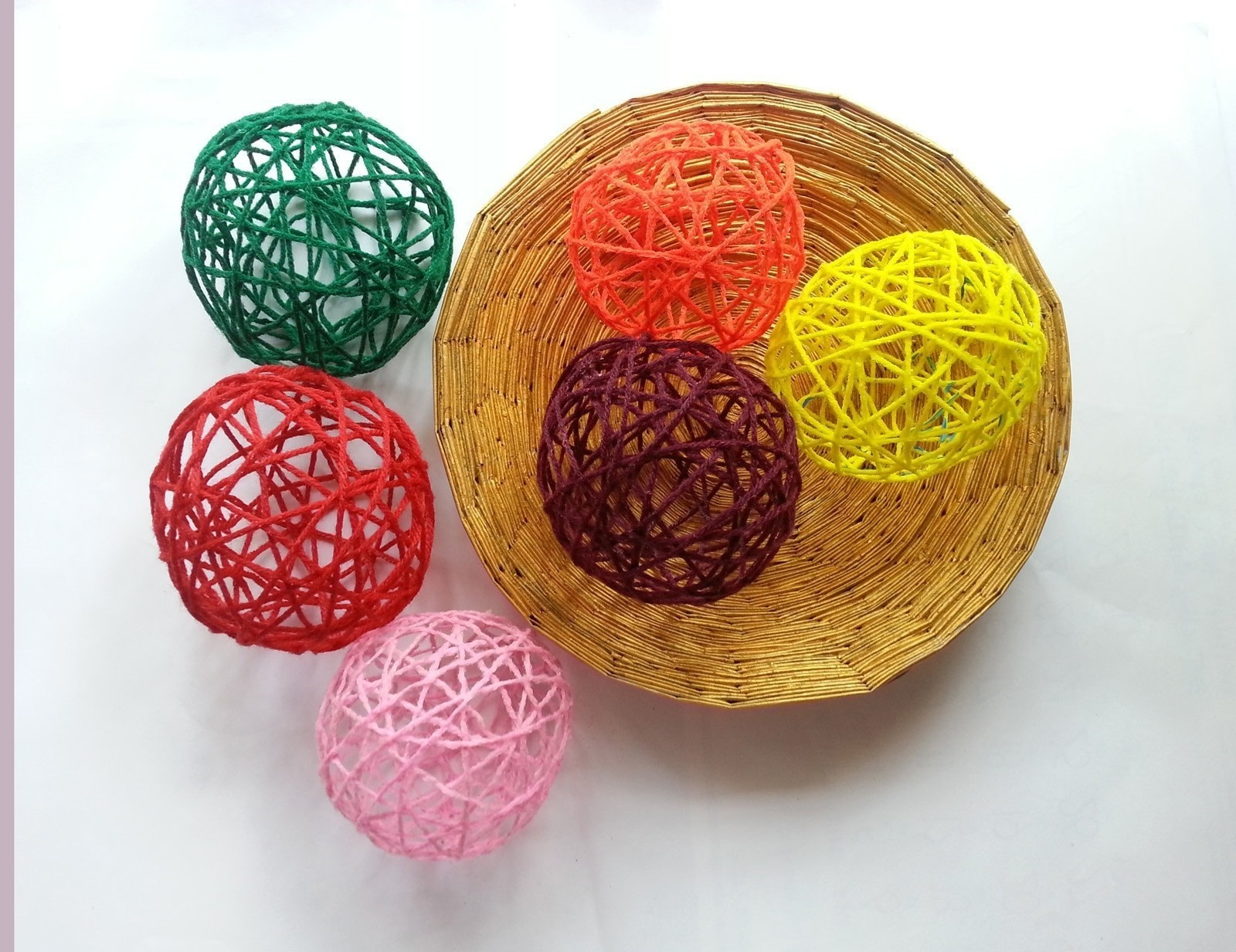 Diy Decorative Yarn Balls How To Make A Piece Of Seasonal Decor Yarncraft On Cut Out Keep