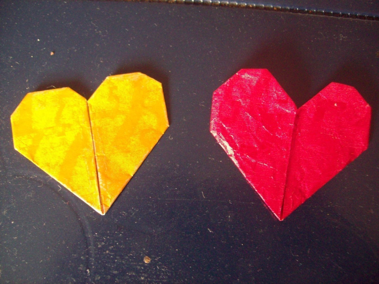 Origami Hearts Made Out Of A 5 Gum Wrapper An Origami