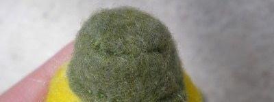 Como costurar um vegetal plushie.  Summer Squash Fun - Passo 8