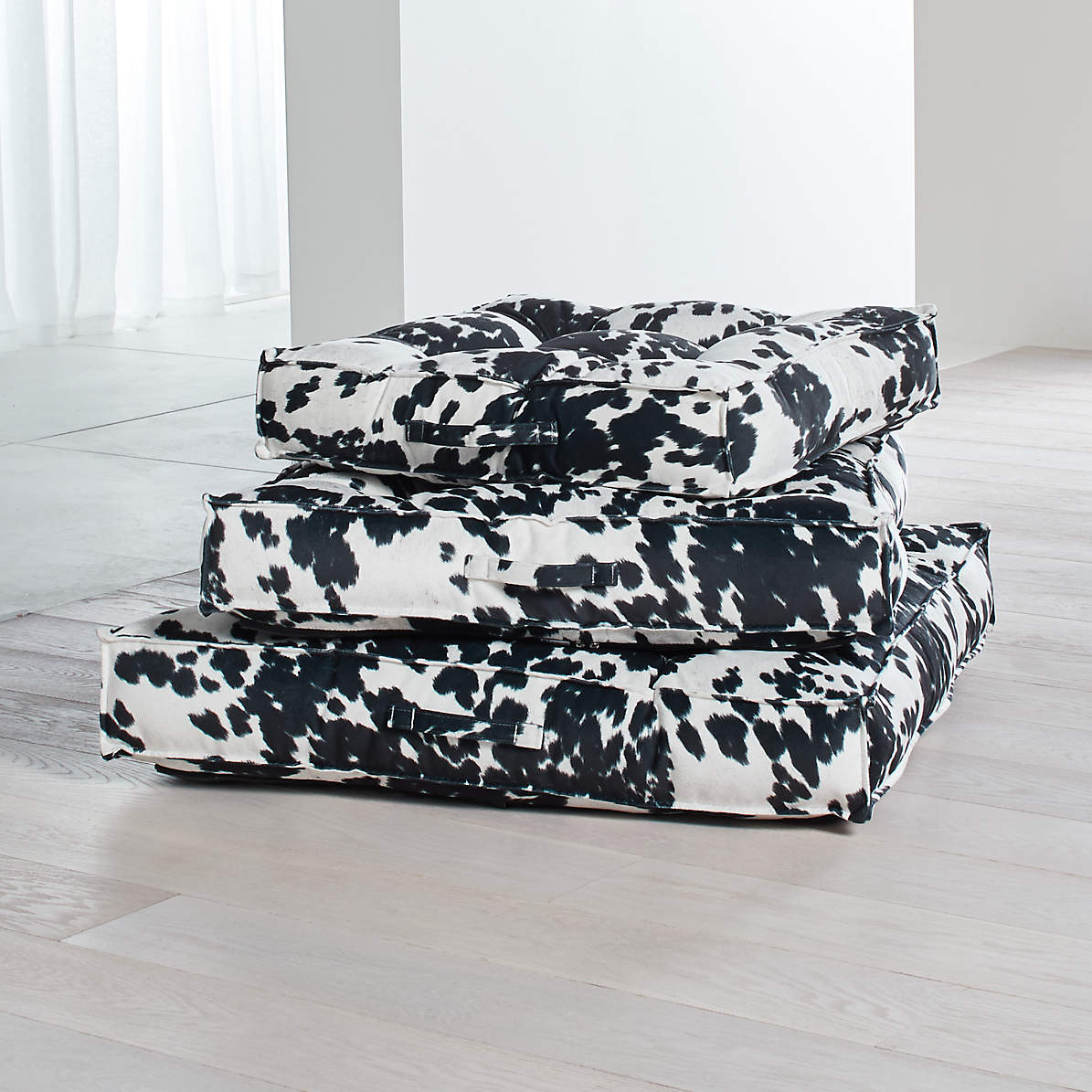 Piazza Tufted Dog Beds Crate And Barrel