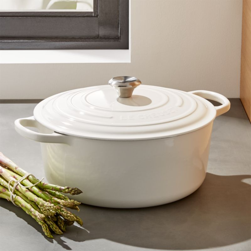 Le Creuset Signature 9 Qt Round White Dutch Oven With Lid