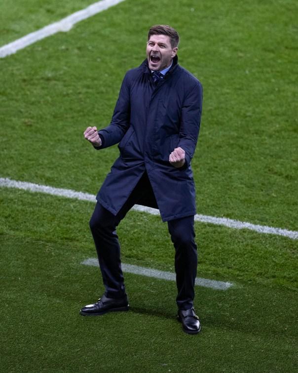 https://i2.wp.com/images.ctfassets.net/39646iezddpk/286AhdtjUZX4FLJKM9fgNR/513d8b88087921a6aba57cf462e99dd6/011020_Rangers_v_Galatasaray__Gerrard_End_Celebration_73.JPG?resize=604%2C755&ssl=1