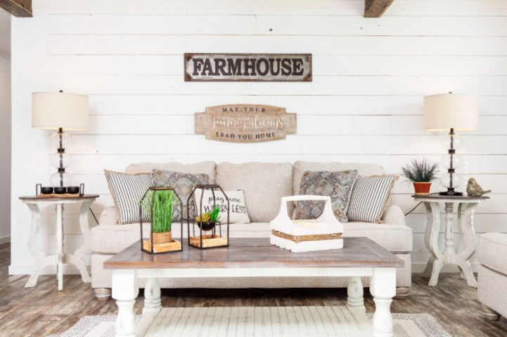 Clayton Homes With Farmhouse Features