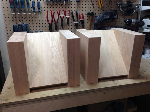 Custom Made Speaker Stands By Span Audio