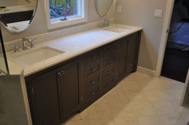 Custom Bathroom Vanities