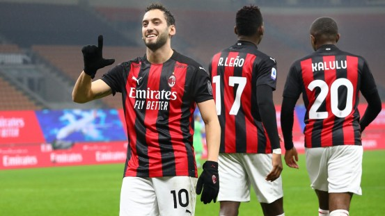 Double from the first half writes AC Milan in the history books, while Rossoneri equaled the 72-year goal record in Barcelona