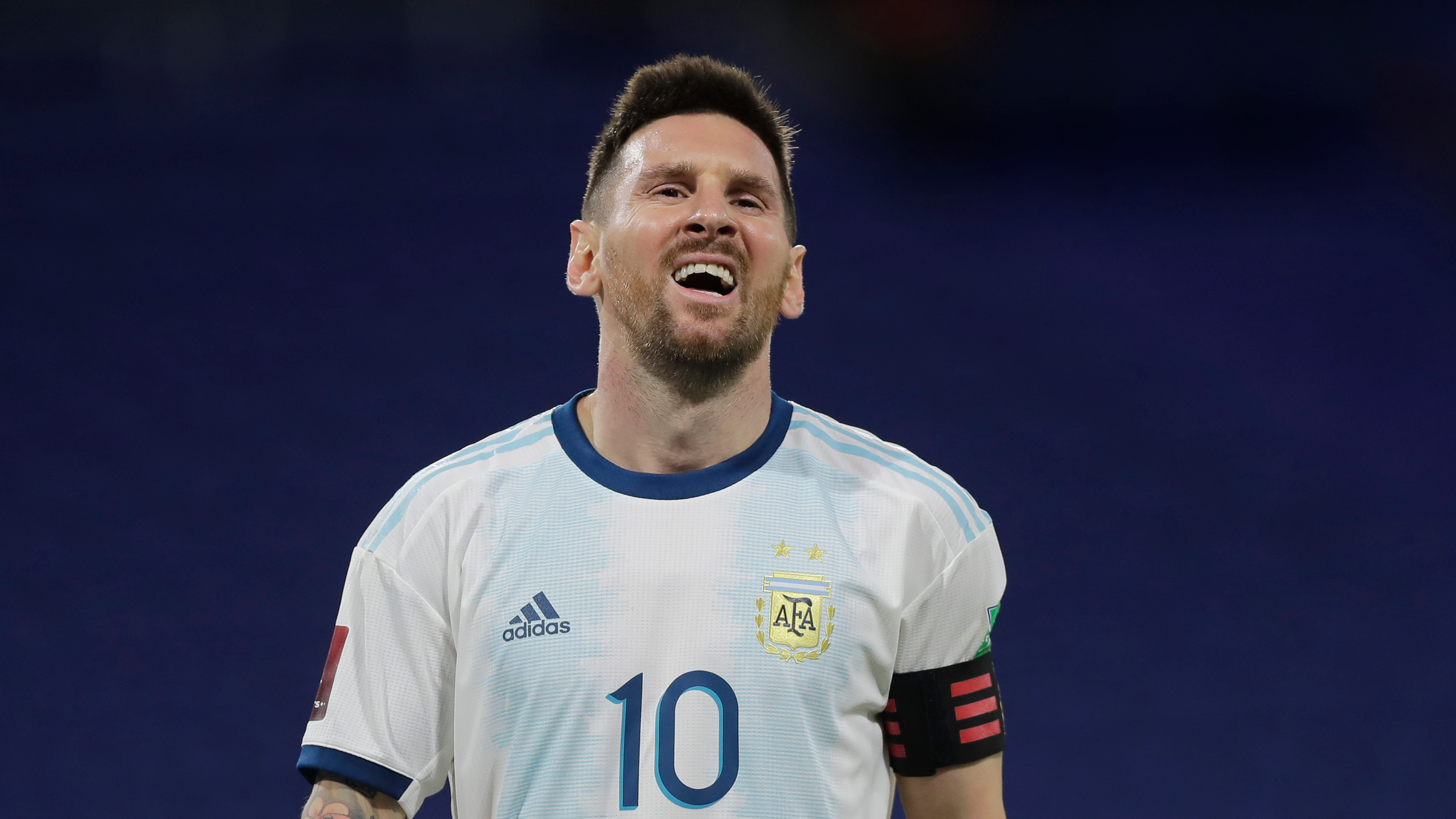 Argentina boss Scaloni pleased with Messi after injury scare