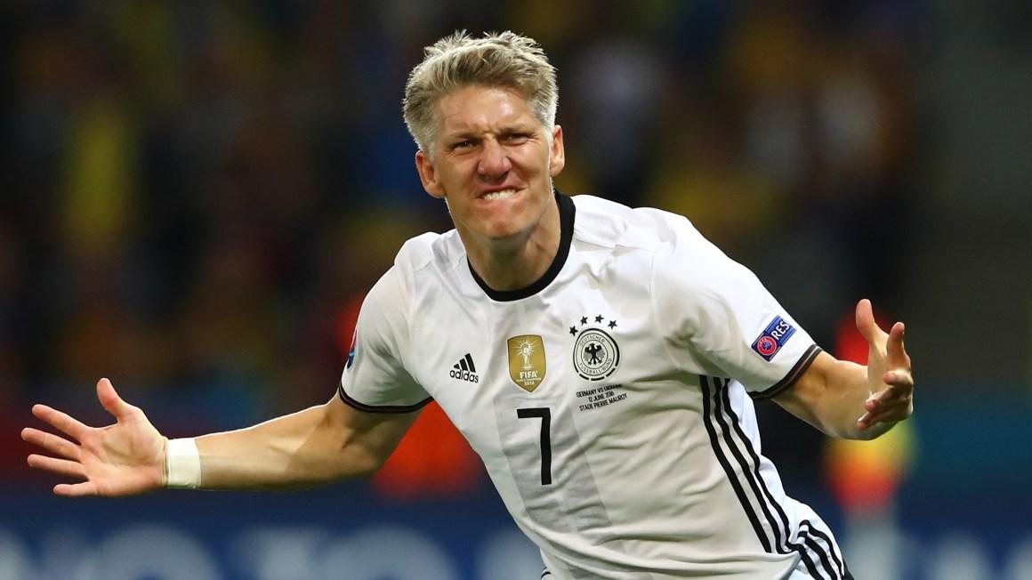 Schweinsteiger tuyên bố giải nghệ ở tuổi 35 | Goal.com