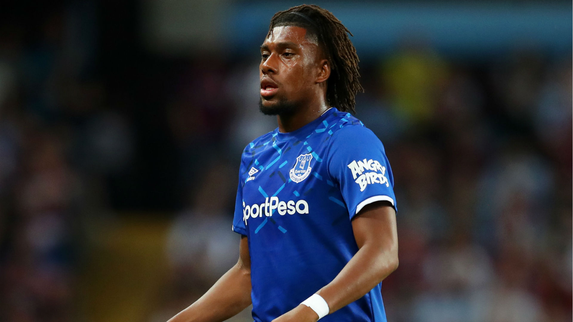 alex iwobi n3d1tv3s6das1d1ng869p55bf - Everton beat Southampton 2-1 for first away win of the season