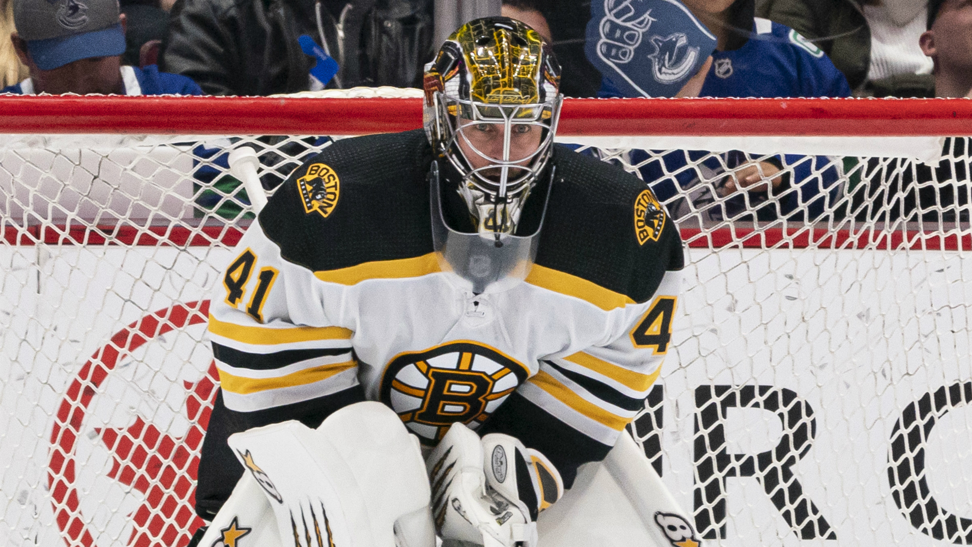 Bruins' Jaroslav Halak happy to stay in Boston for another year